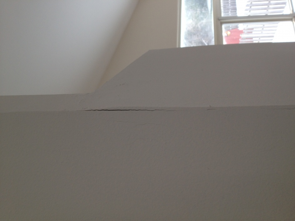 Minor Drywall And Laminate Flooring Issues Building Construction