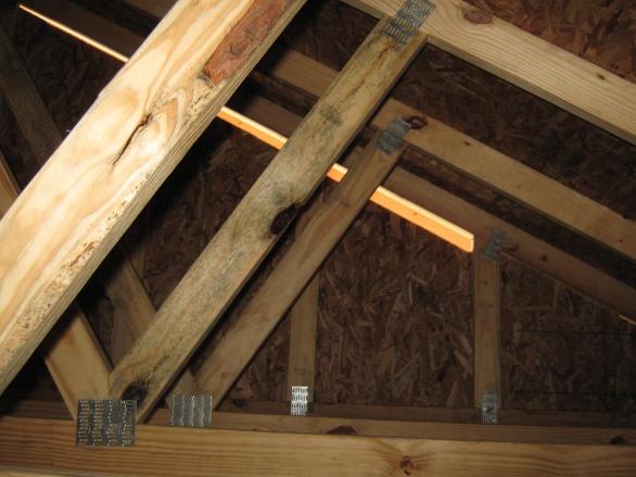 Sheathing gap in attic-img_1282.jpg