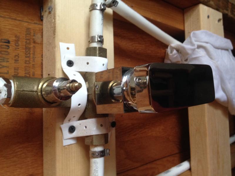 weird shower valve  (pics)-img_1306.jpg