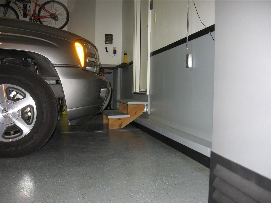 Recommendations for finishing garage floor?-img_1318-large-.jpg