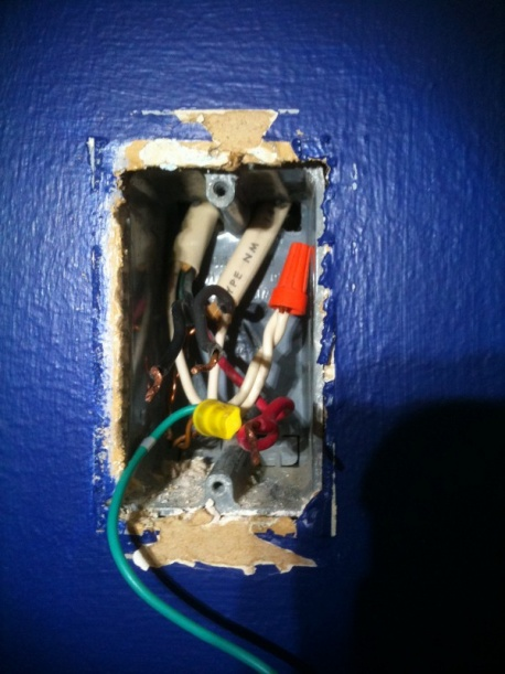 Single Pole Switch, but 5 wires in wall and ceiling-img_1353-600x800-.jpg