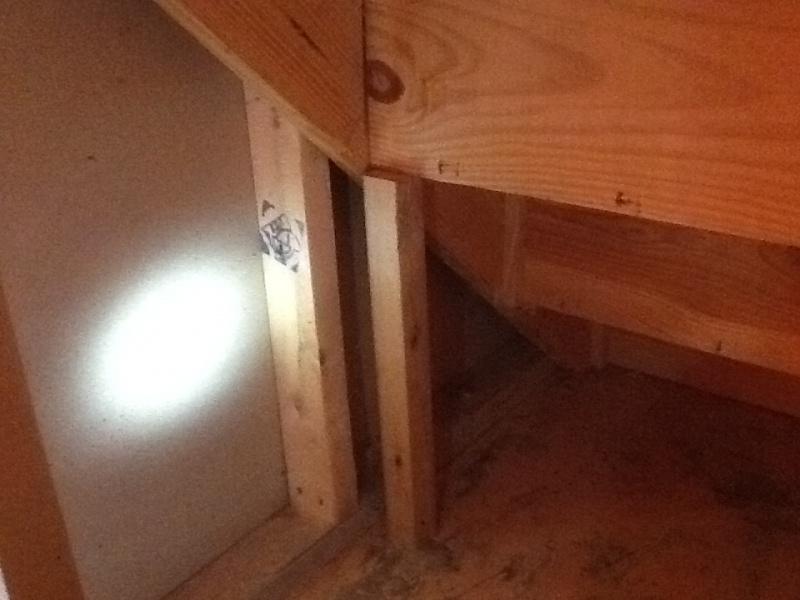 Repairing Closed Stringer Stairs Img_1357