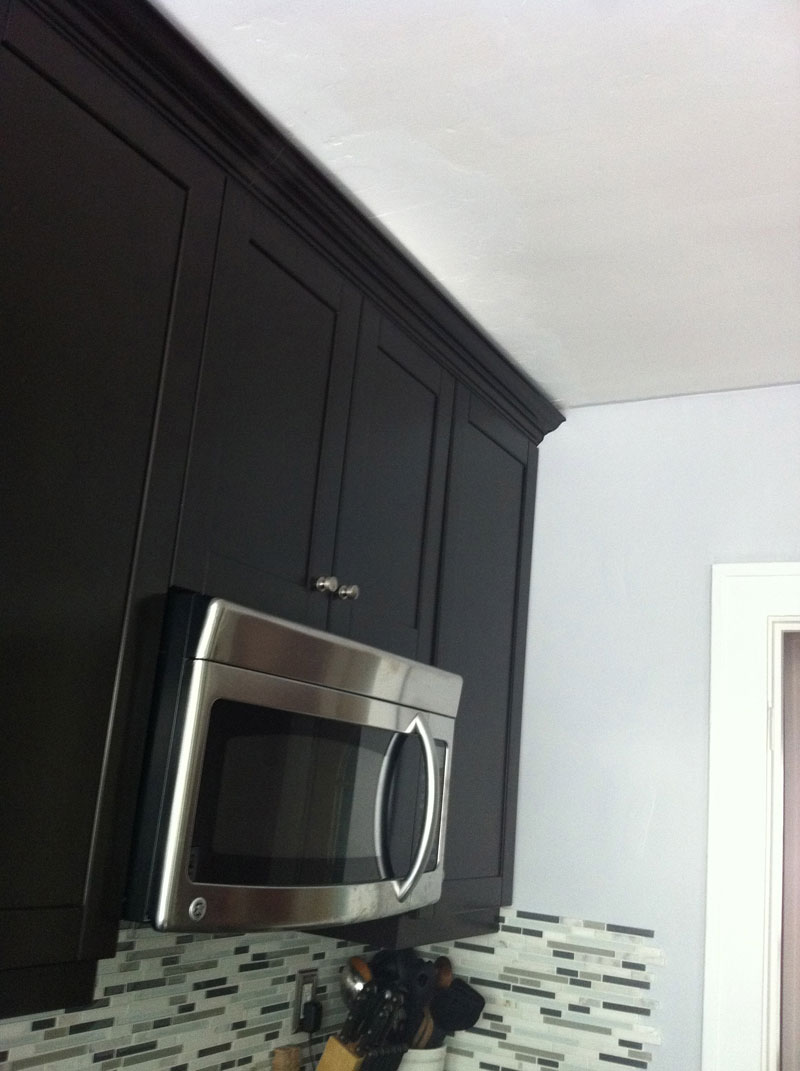 Crown molding and ceiling problem-img_1370.jpg