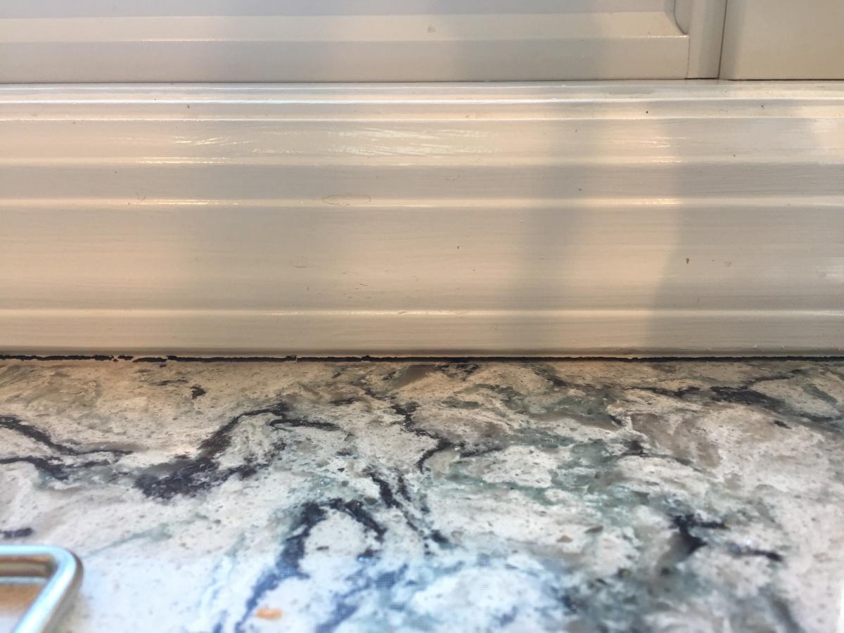 Cracking Chalk behind sink / peeling paint - Recommendation for lasting repair (PICS)-img_1417.jpg