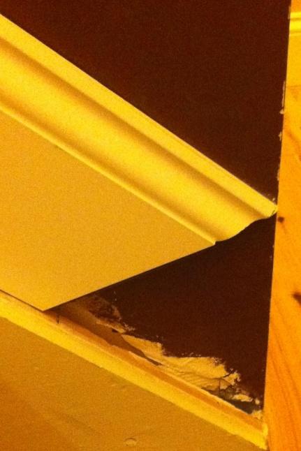 stair molding help-img_1484.jpg