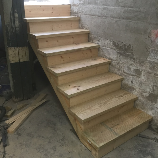 Number Of Stringers For Basement Stairs