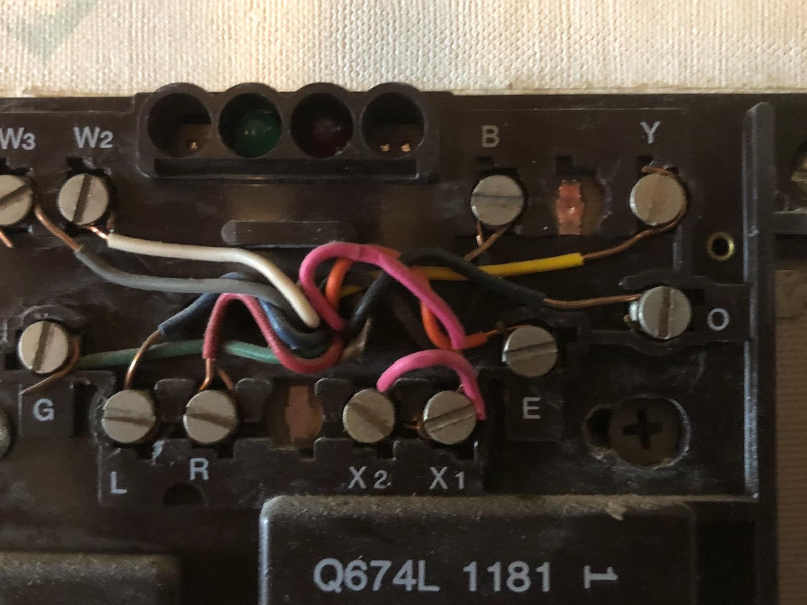 10-wires Honeywell T874R to RTH9585WF on Bard or ZoneAire Heat Pump?-img_1530.jpg