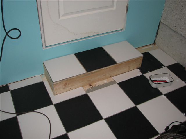 Ceramic tile on a little step...-img_1579.jpg