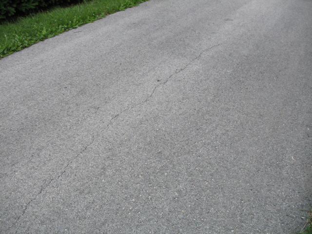 asphalt drive sealers ?-img_1781.jpg