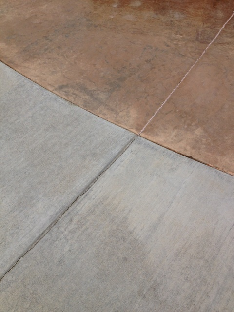 concrete slab poor against foundation without a expansion joint-img_1942.jpg