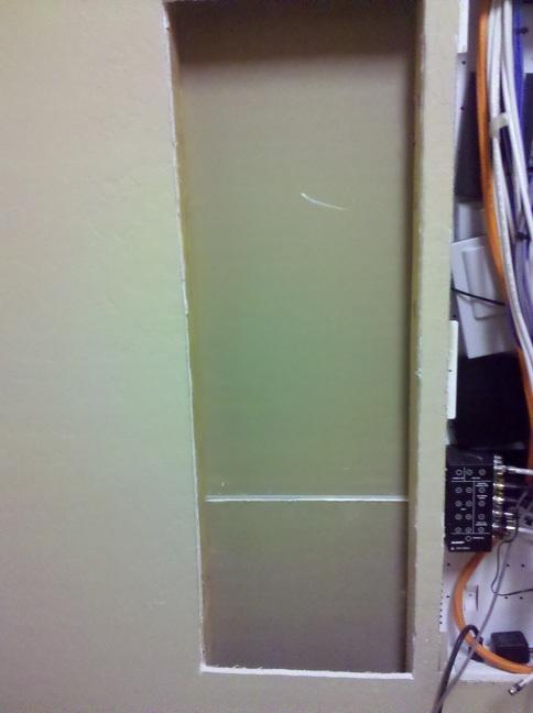 Stud spacing when installing enclosure not enough-img_20110316_132740.jpg