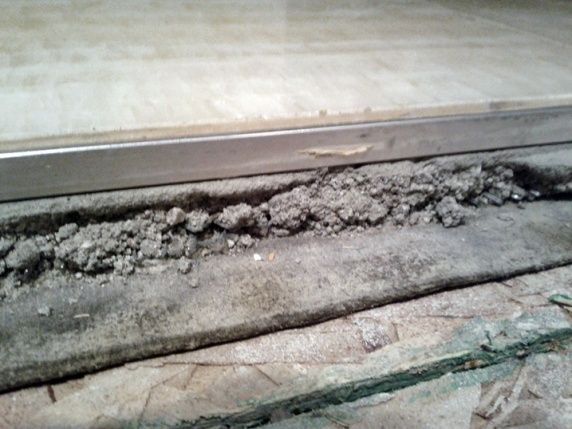 Increase height of subflooring-img_20120208_220820_1.jpg