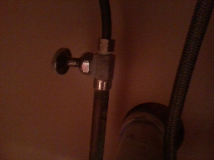 General Help with replacing shut off valve under kitchen sink- Pics included-img_20120311_222347.jpg
