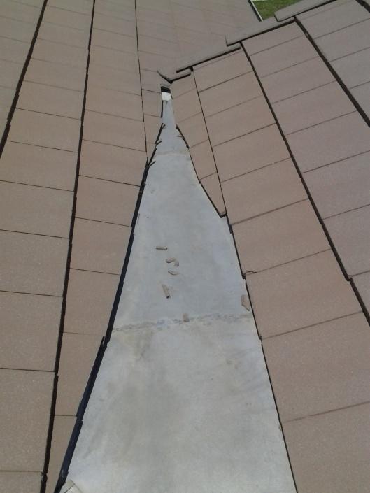 concrete tile roof, tie in.-img_20120609_132328.jpg