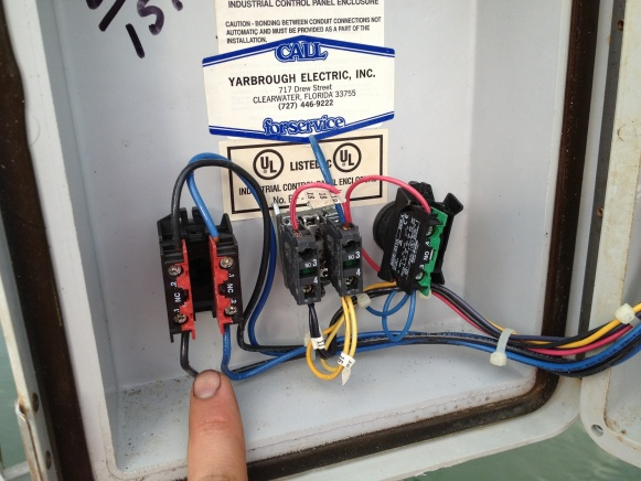 Please HELP wiring 240v motor for forward and reverse on boat lift-img_2013.jpg