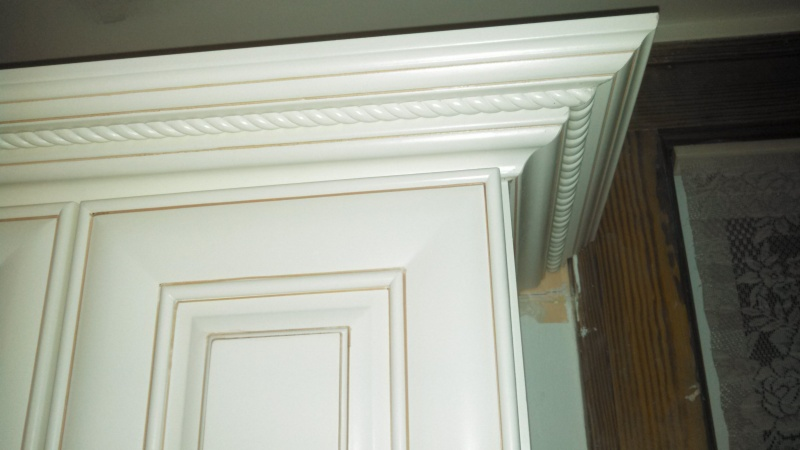 Cabinet Crown Molding-img_20140313_215734_225.jpg