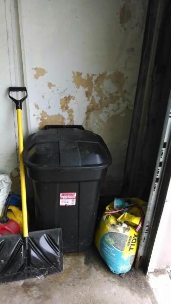 Help With BEAT UP Garage Drywall and Gaps In Concrete Around Garage..-img_20140513_142558857.jpg