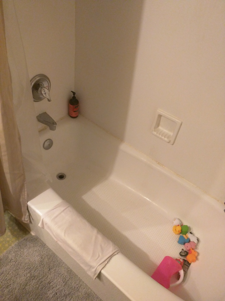 There Is Water Under My Tub, How Do I Resolve?-img_20171117_072419.jpg