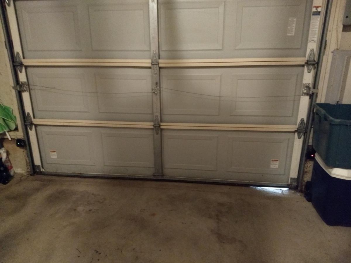 Garage Door Gap-img_20171127_115611549_1511804325299.jpg