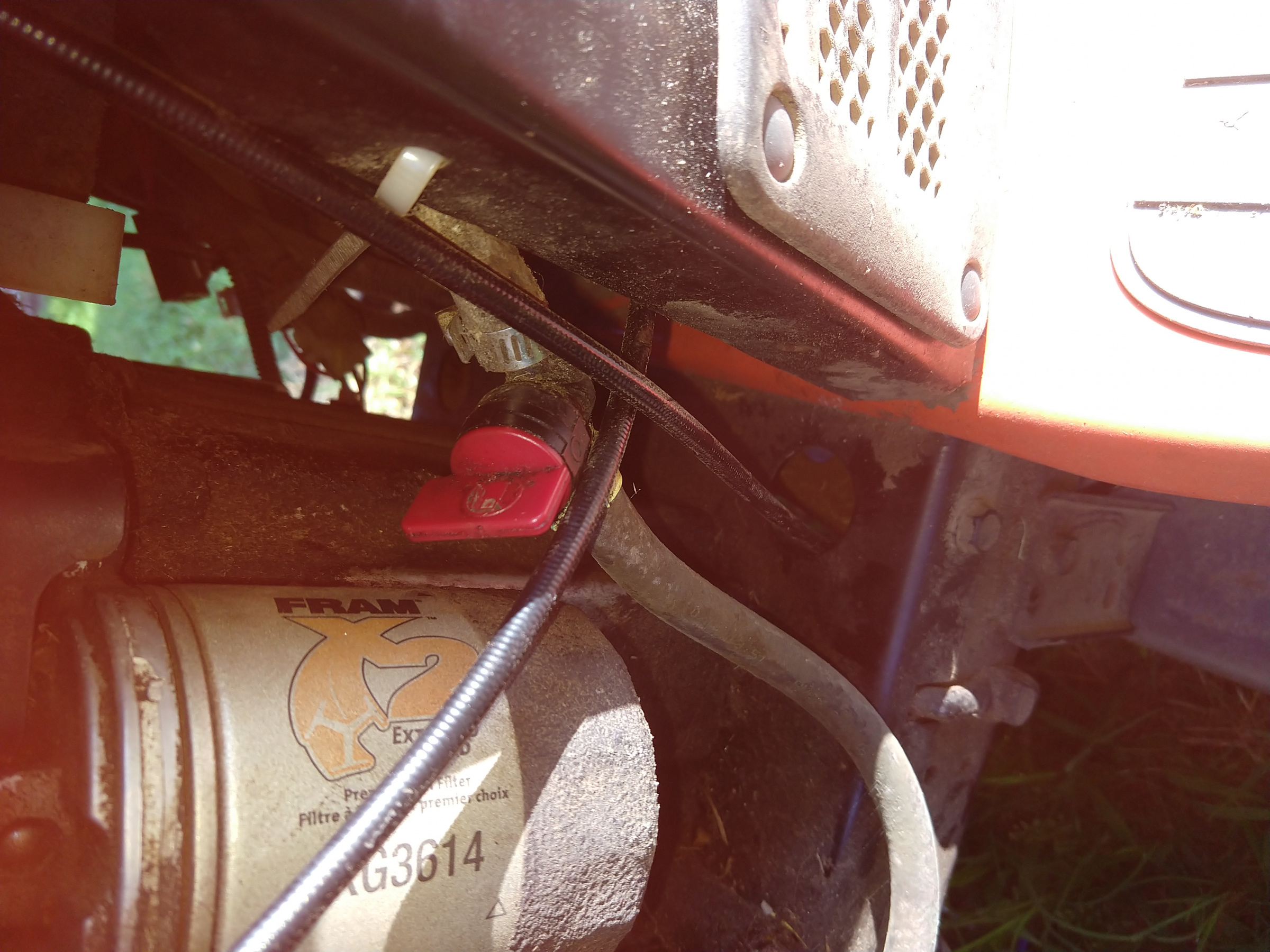 Husqvarna YTH21K46  Mower Blowing Oil Out Above The Carburetor-img_20190702_073342639.jpg