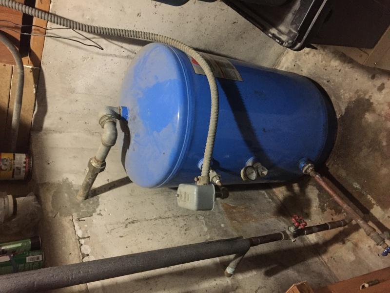 Pressure (bladder) Tank Gauge Leak-img_2026.jpg