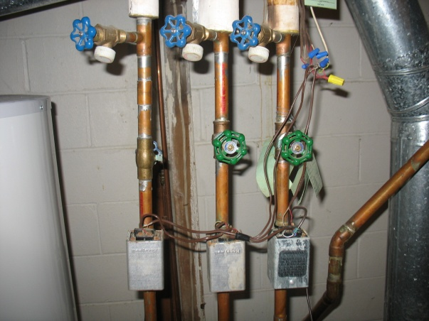 Bleeding the air out of a boiler system-img_2031.jpg