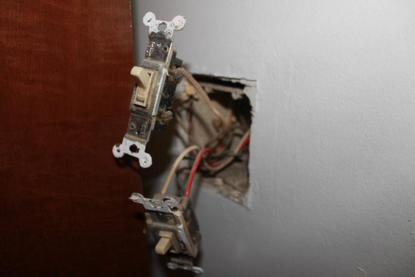 3 way switch to single pole switch-img_2106.jpg