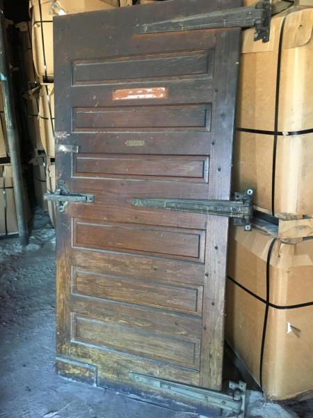 What should I do with this Icehouse door??-img_2238_1495041453481.jpg