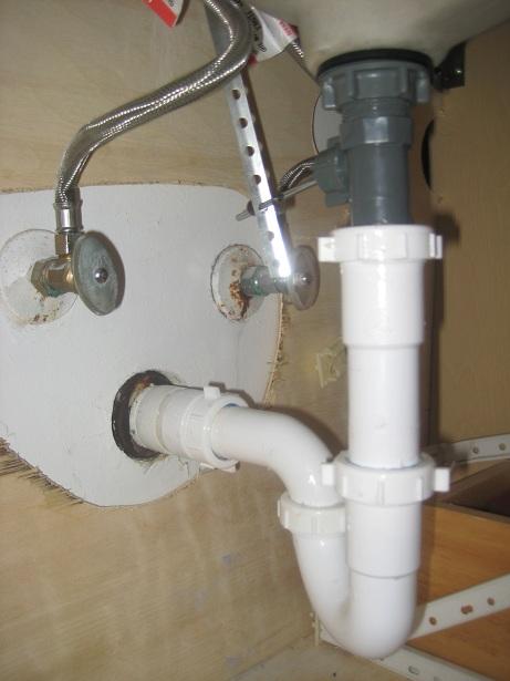sink water wont drain-img_2273.jpg