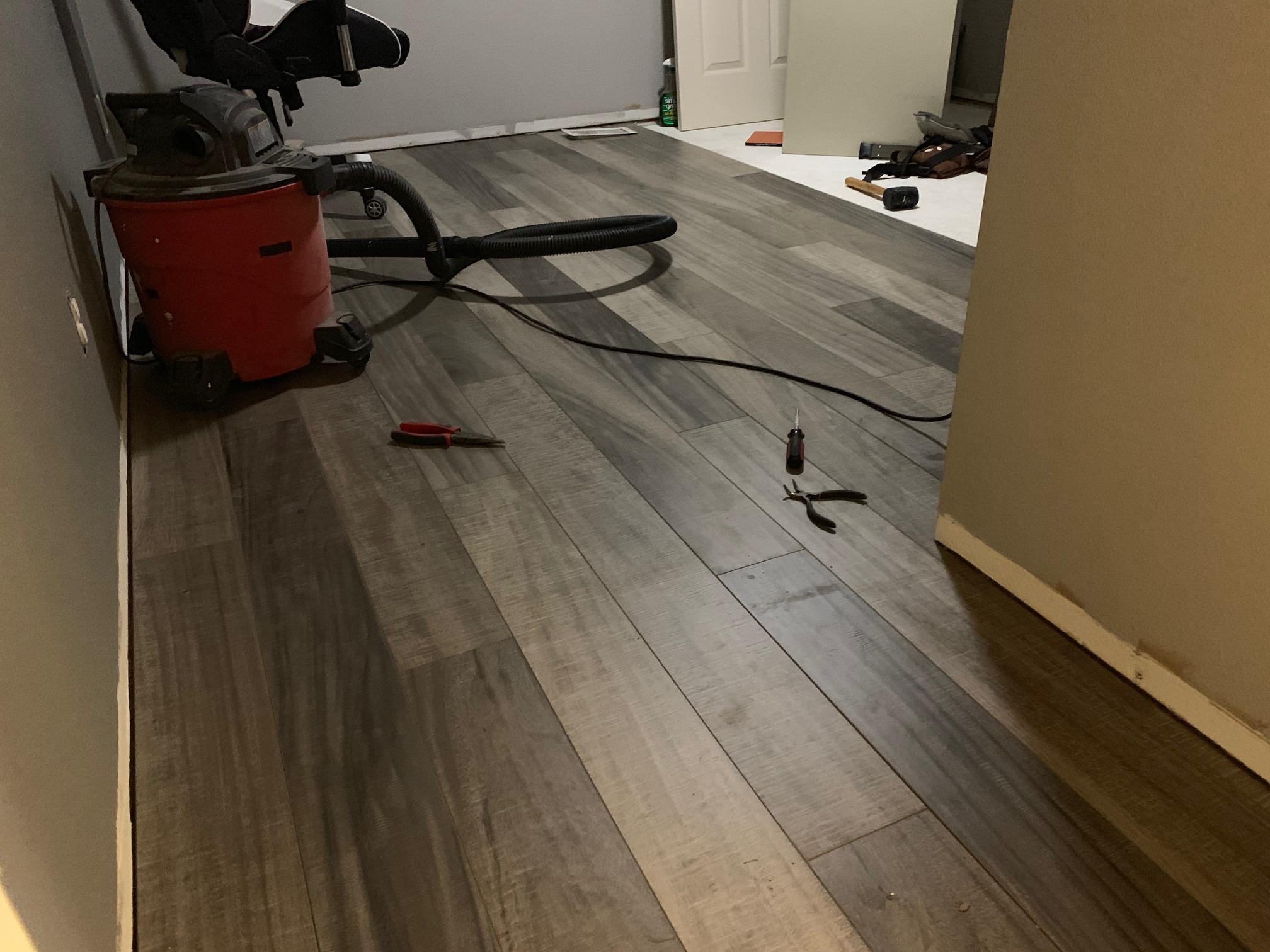 Laminate flooring-img_2294.jpg