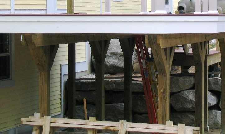 help - pressure treated 4x4 deck posts splitting-img_2312.jpg