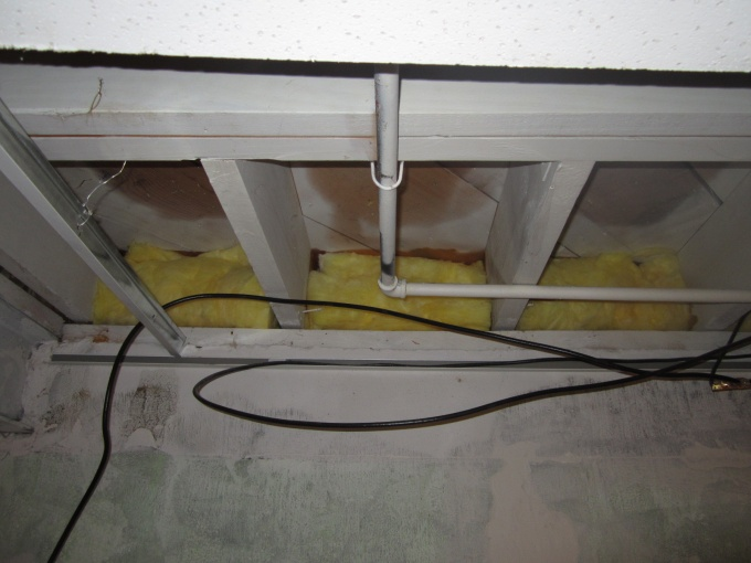 Cantilever insulation-img_2478.jpg