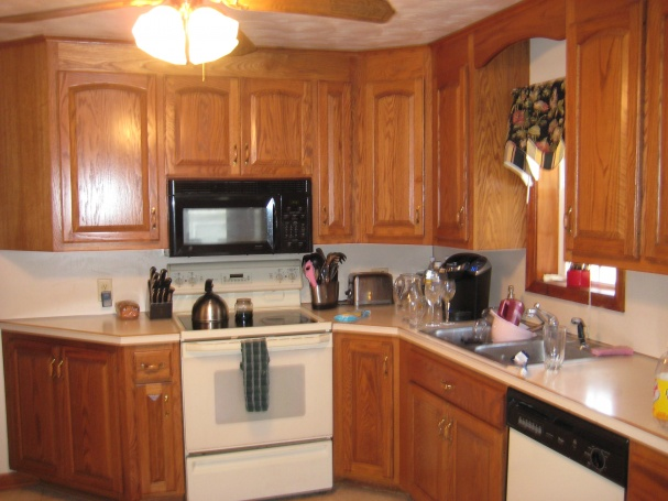 Tiling backsplash over laminate????-img_2527.jpg