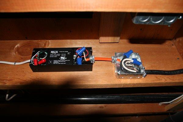Blinking low voltage light-img_2535.jpg
