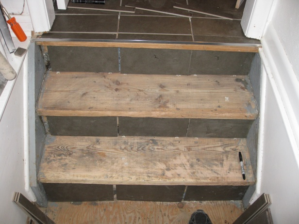 Stair tiling question...-img_2607.jpg