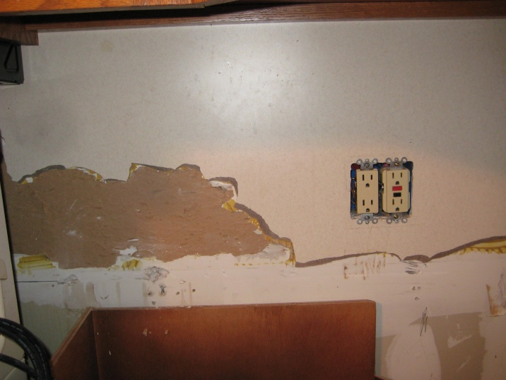 Tiling backsplash over laminate????-img_2721.jpg