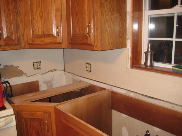 Tiling backsplash over laminate????-img_2722.jpg