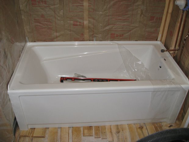 "Installing Maax Advanta ""New Town"" bath tub, leveling and support issues-img_2800.jpg"