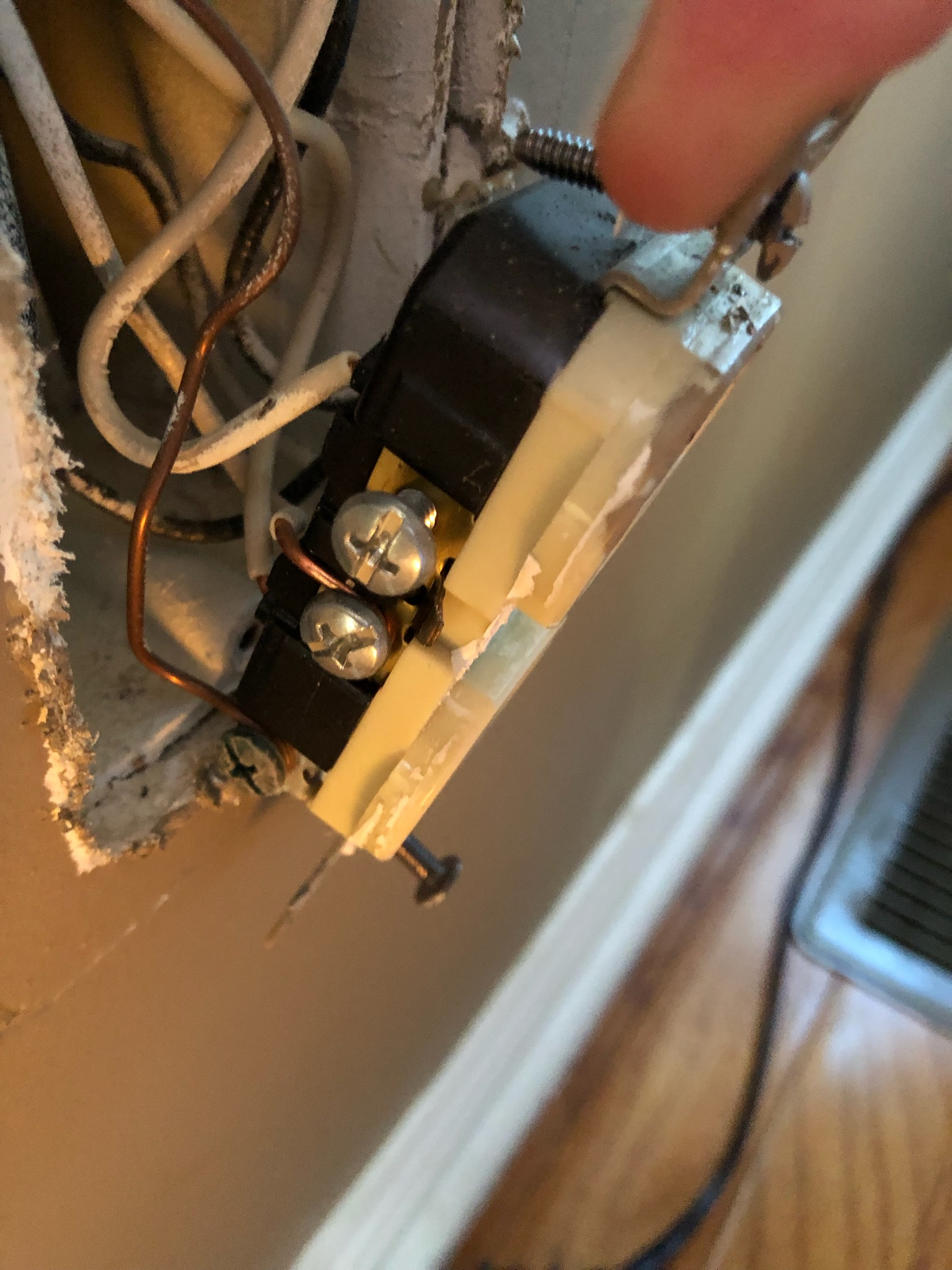Tie In A New Duplex Oulet To Existing Outlet Electrical Diy Chatroom Home Improvement Forum