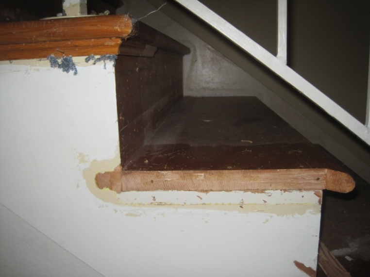 Should I replace wall skirt when installing new retro treads on existing stairs-img_3014.jpg
