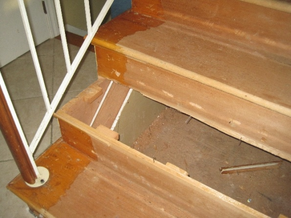 Should I replace wall skirt when installing new retro treads on existing stairs-img_3017.jpg