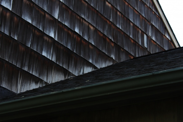 Wood shingle siding-img_3087.jpg