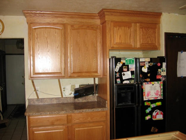 Cabinet crown molding-img_3151.jpg
