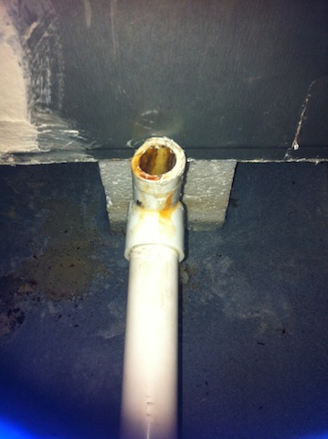 "Looking for 3/4"" rubber tapered barbed pipe fitting for two female PVC pipes-img_3151.jpg"
