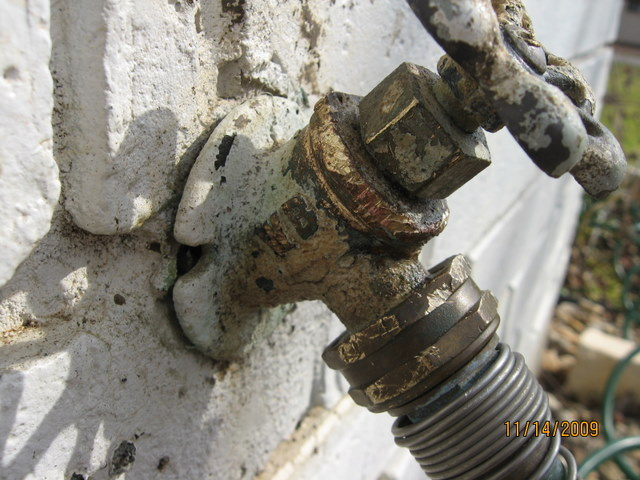 Exterior faucet repair/replacement problem-img_3158-1.jpg
