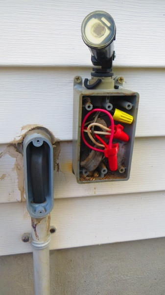 Outdoor Outlet Wiring Help With Black, Red, And White - Electrical ...