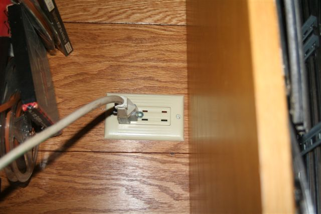Changing an outlet, Grounding Procedure-img_3859.jpg