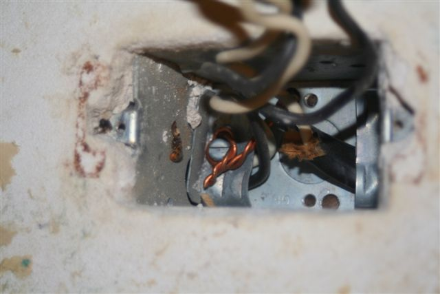 Changing an outlet, Grounding Procedure-img_3862.jpg