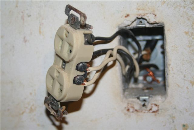 Changing an outlet, Grounding Procedure-img_3863.jpg