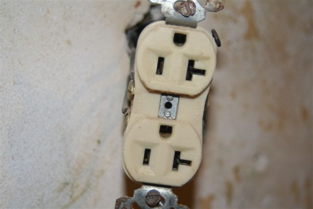 Changing an outlet, Grounding Procedure-img_3864.jpg